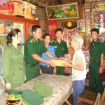 Thủ tục giải quyết chế độ ưu đãi đối với Bà mẹ Việt Nam anh hùng